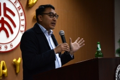 STL Assistant Dean Christian Pangilinan gives the annual Thanksgiving Toast