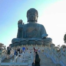 Lantau's Big Buddha - Flavio P. https://www.flickr.com/photos/worldaroundtrip/35160715634, CC 2.0